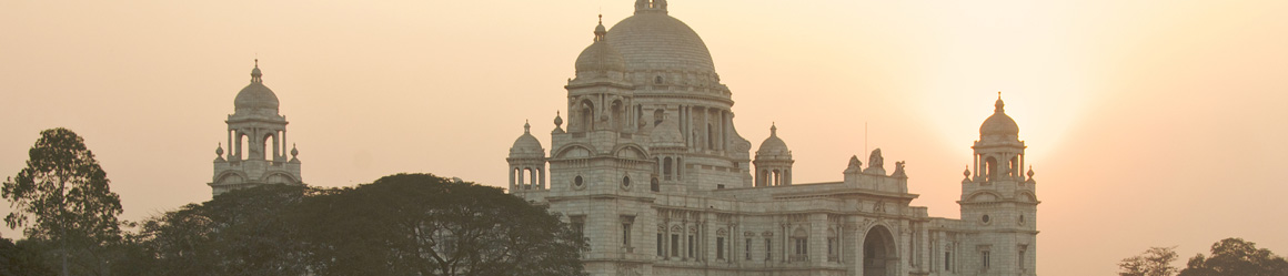 the very centre of Kolkata is full of historic institutions very concentrated and near one from another